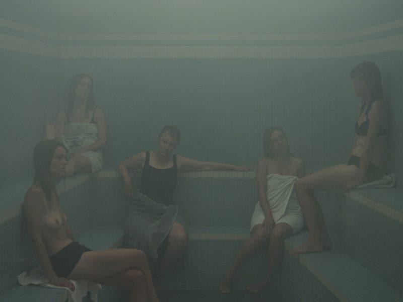 Oeuvre d'Olivia Boudreau, L'Étuve (image tirée de la vidéo), 2011.