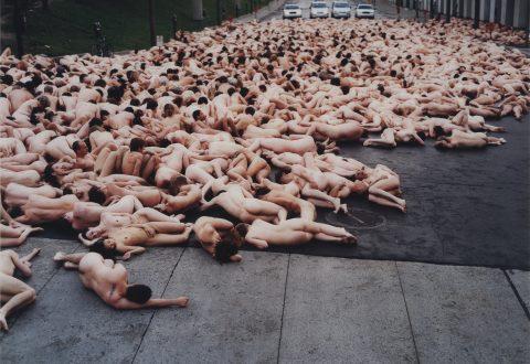 Spencer Tunick, Montréal 2 (Musée d'art contemporain de Montréal), 2001