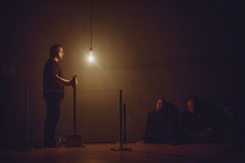 Rafael Lozano-Hemmer, Pulse Room, 2006