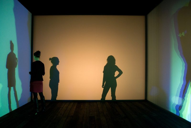 Olafur Eliasson, Multiple shadow house, 2010