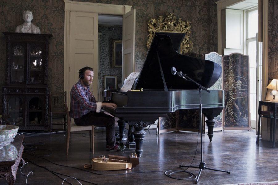 Ragnar Kjartansson, <i>The Visitors</i>, 2012 (Arrêt sur image)