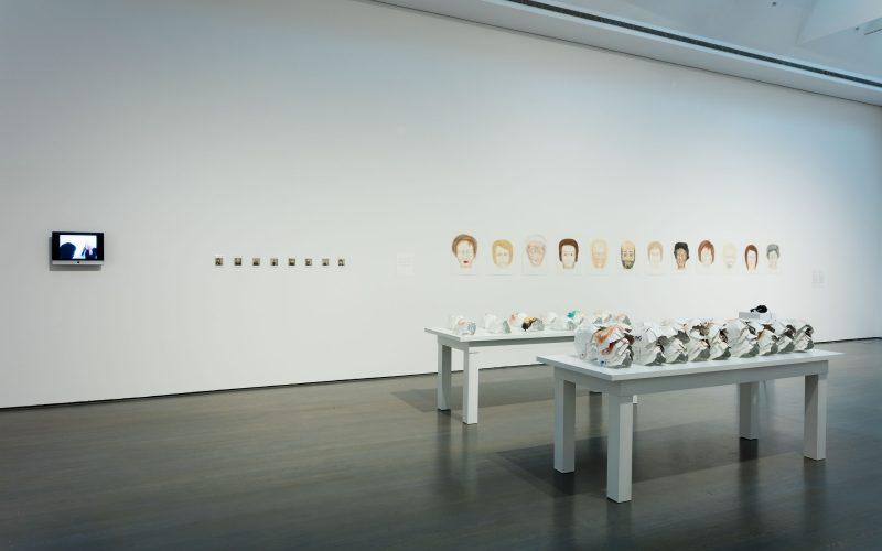 Raphaëlle de Groot, <em>Tous ces visages</em> (vue d'installation), 2007−2008<br/>