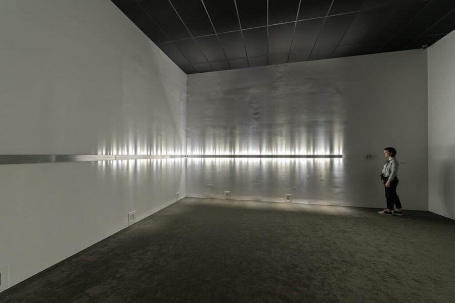 Rafael Lozano-Hemmer, Voice Array [Faisceau de voix], 2011