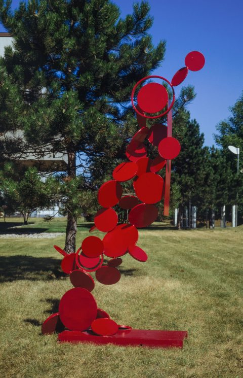 Chute en rouge, 1966, Painted steel.