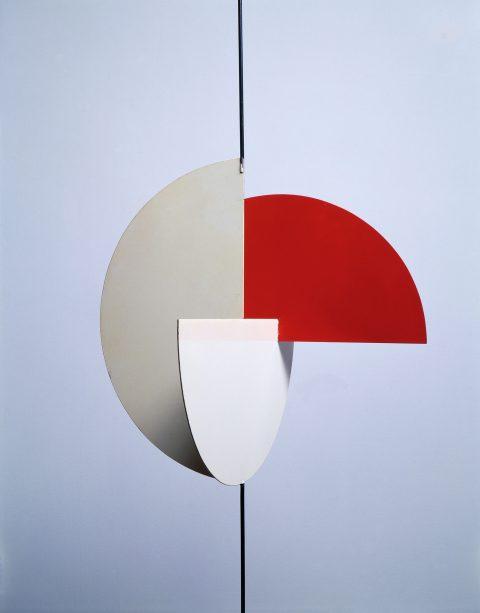 Archétype, trois demi-cercles, 1958, Painted steel.