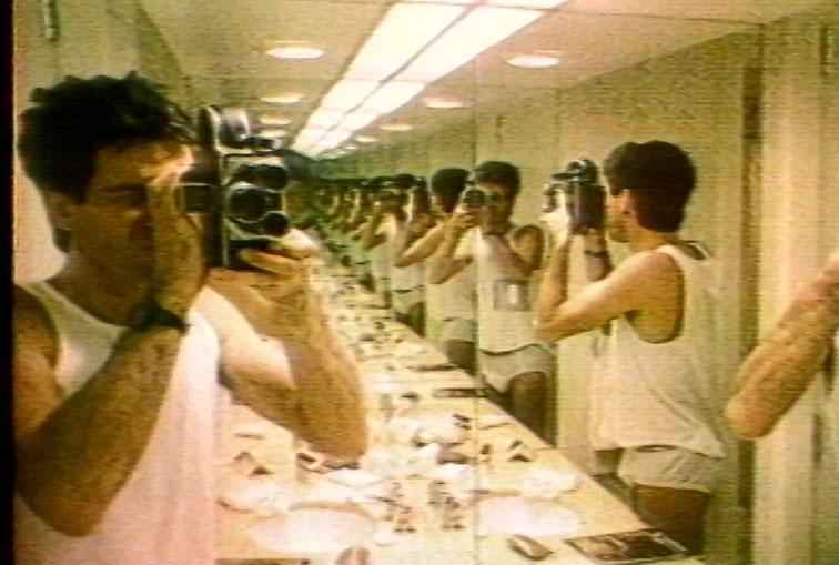 arrêt sur image de Yes Sir! Madame …, 1994, Robert Morin, Vidéogramme couleur et noir et blanc, 75 min., son.
