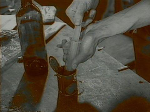 arrêt sur image de Pierrick et Jean-Loup (série de 4 autofilmages), 1994, Pierrick Sorin, 4 vidéogrammes couleur, 8 min. 45 sec., son.