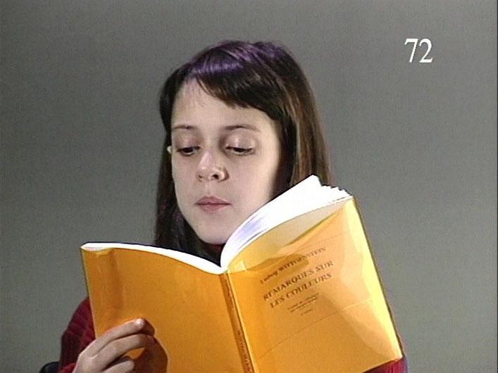 still of Remarques sur les couleurs (version française de «Remarks on Color, 1994»), 1994-1998, Color video, projector, amplified sound system, 49 min, A.P. 1/1.