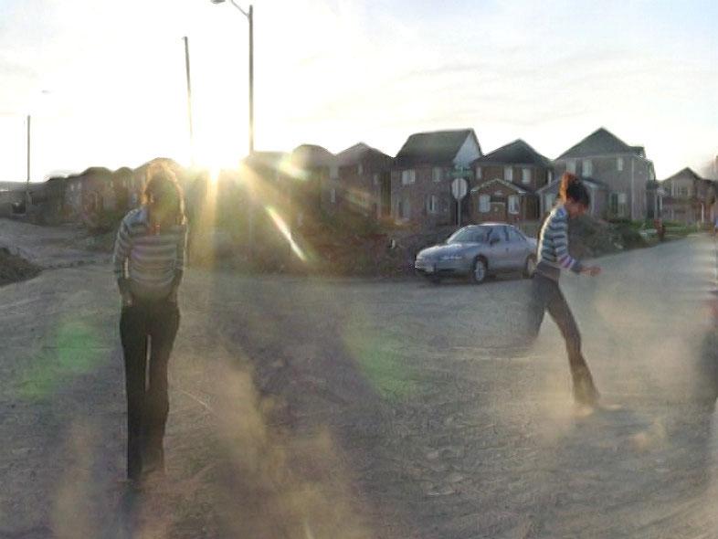 arrêt sur image de Still Life: Urban Sprawl, 2003, Gareth Long, Vidéogramme numérique couleur, 8 min 45 s.