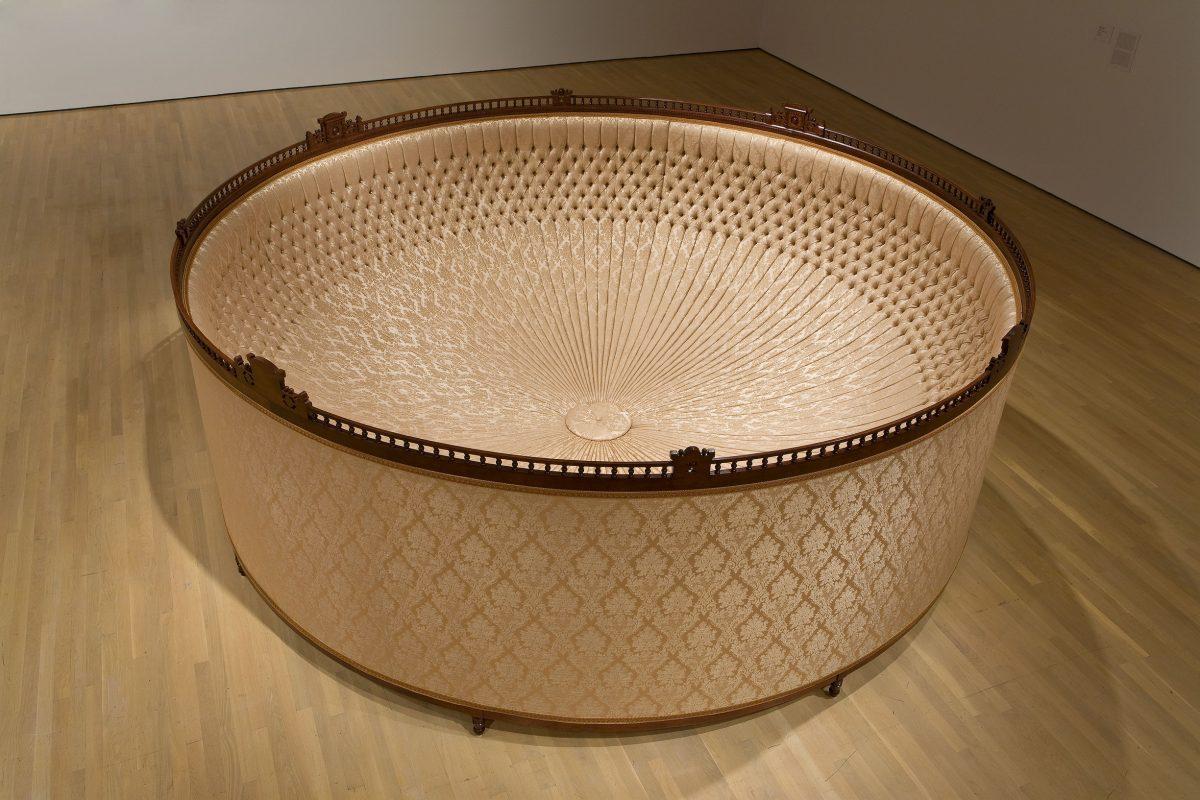 Eastlake: intransigeant, 2007, Yannick Pouliot, Techniques mixtes, bois et tissu.