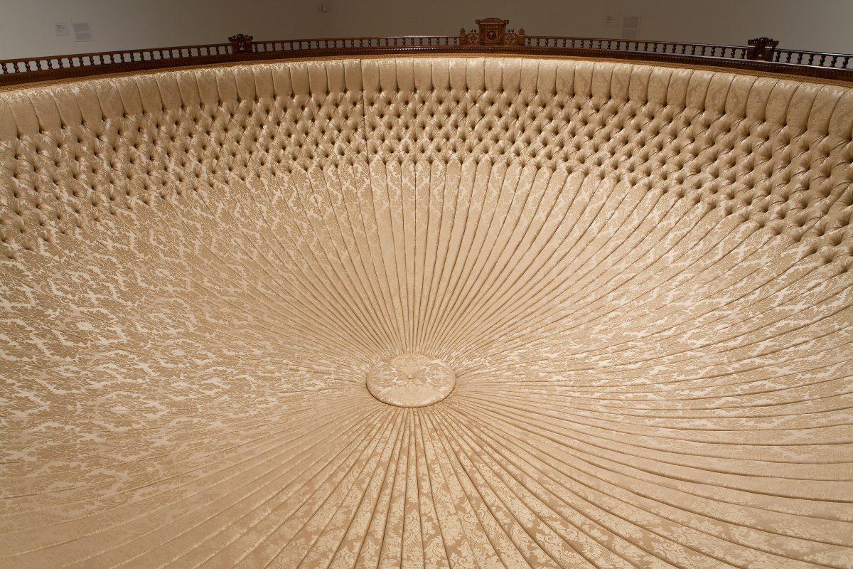 détail de Eastlake: intransigeant, 2007, Yannick Pouliot, Techniques mixtes, bois et tissu.
