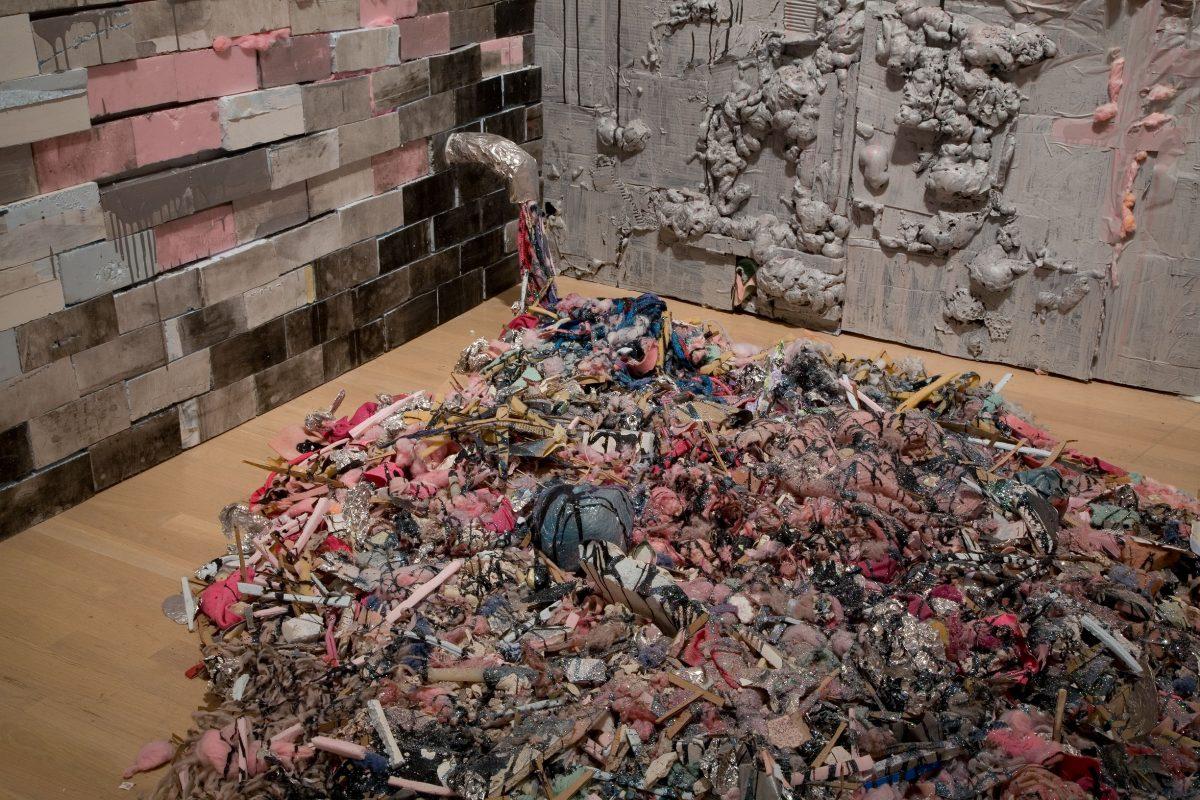 détail de Factory for a Day, 1996-2008, Tricia Middleton, Matériaux divers, peintures, photographies, vidéogrammes et son.