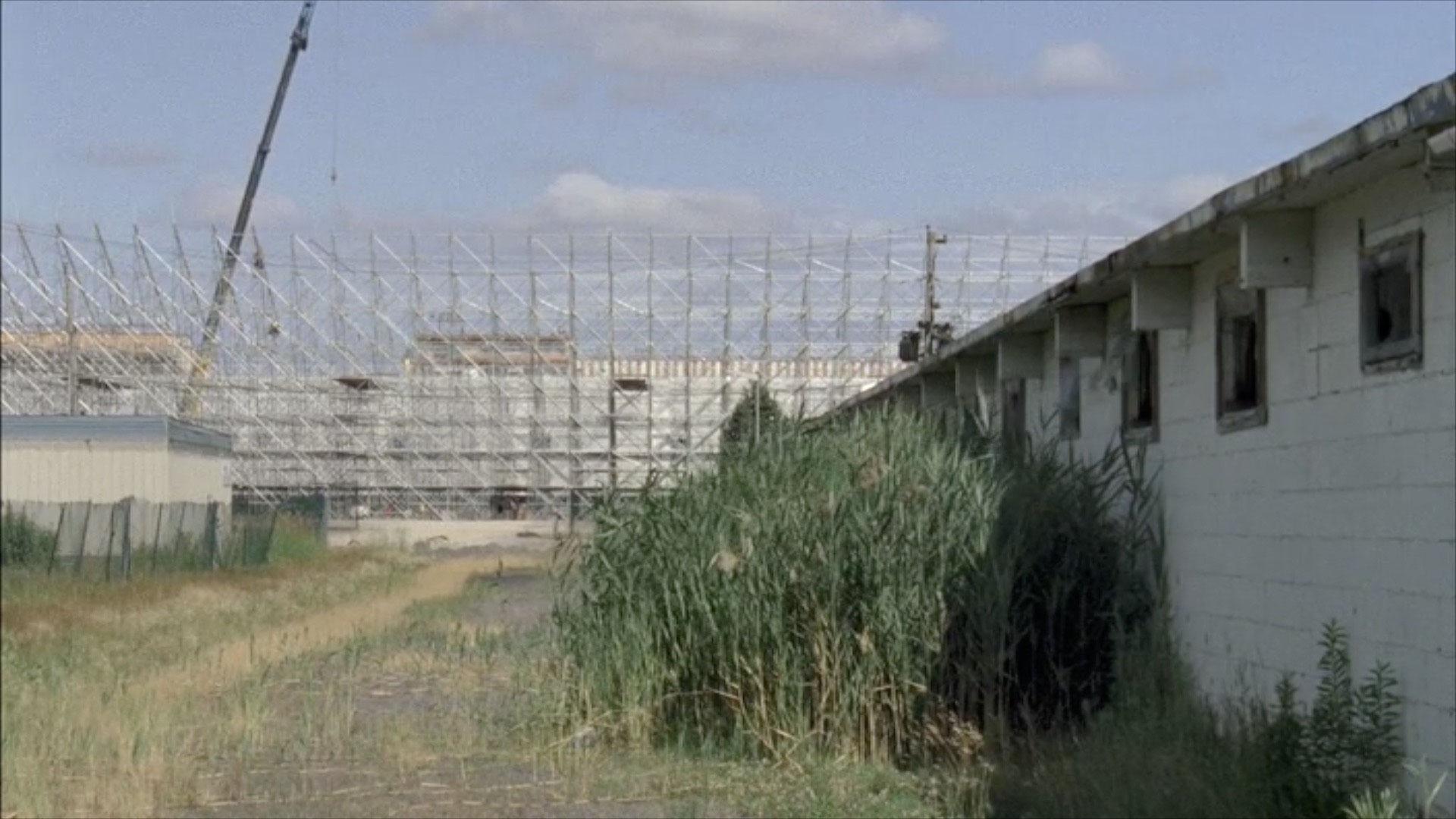 arrêt sur image de Racetrack Superstar Ghost, 2011, Myriam Yates, Film 16 mm transféré sur fichier numérique, projection en boucle, 7 min. 10 sec., son, 1/3.